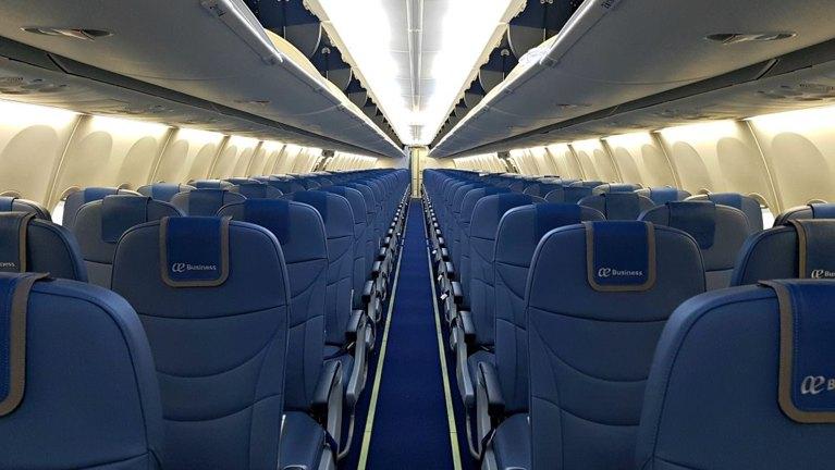 air europa.nuevo interior boieng 737 800 wifi
